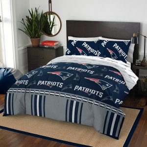 New England Patriots The Northwest Company 5-Piece Queen Bed in a Bag Set
