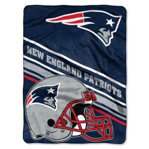 "New England Patriots The Northwest Company 60"" x 80"" Slant Rashcel Throw"