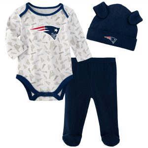 Newborn & Infant New England Patriots Navy Bodysuit, Pants & Knit Hat Set